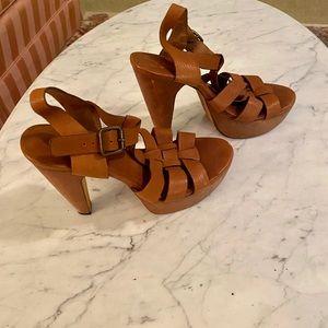 KORS Michael Kors Strappy Sandal Buckle Hi Heels.